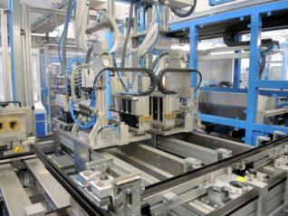 Automotiv 3D-Bieger Anlage Transfer Serienfertigung Werkzeugbau Bearbeitungszentrum