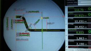 Qualitätskontrolle Messtechnik Prüfung Biegen Winkel Bohren Prägen Einpressen Schweißen Nut